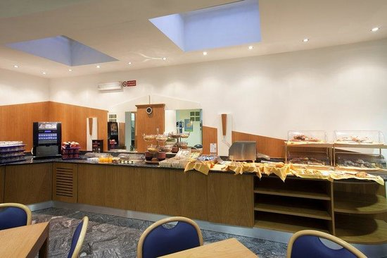 Holiday Inn Express Foligno: Breakfast Bar