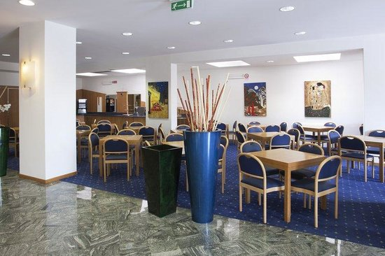 Holiday Inn Express Foligno: Breakfast Area