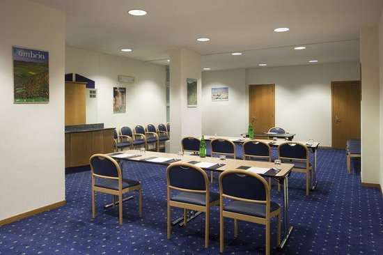 Holiday Inn Express Foligno: Meeting Room