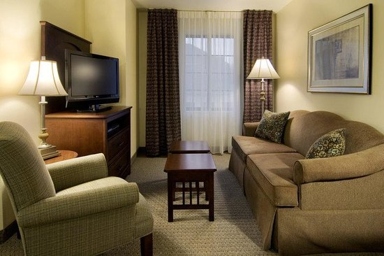Staybridge Suites Akron-Stow-Cuyahoga Falls: Room Feature