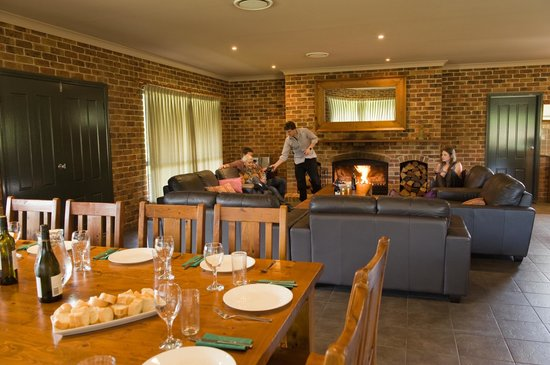 Lovedale, Australia: Lodge dining/lounge