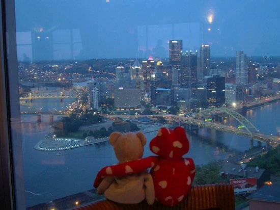 Romantic setting and view picture of monterey bay fish for Monterey bay fish grotto pittsburgh pa
