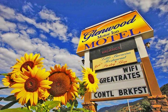 ‪Glenwood Motor Inn‬