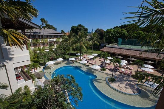 The Breezes Bali Resort & Spa: Pool Overview at The Breezes Bali Resort and Spa