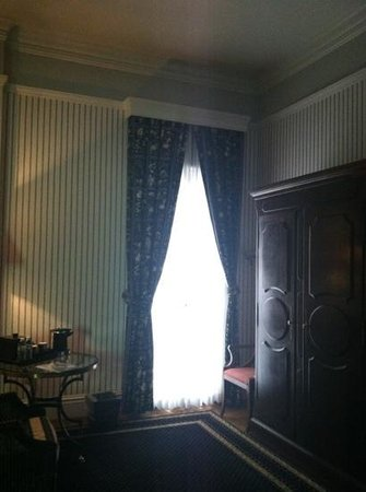 The Tremont House, A Wyndham Grand Hotel: inside our room