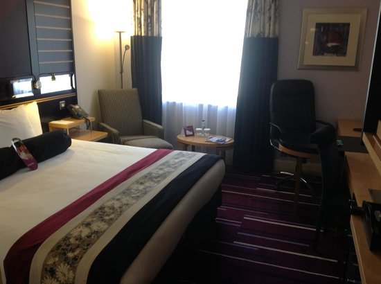 Crowne Plaza Hotel Dublin-Northwood: Fairly decent decor and nice room