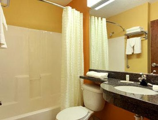 Princeton, WV: Bathroom