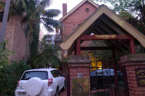 Simpsons of Potts Point Hotel: Entrance to Potts Point with our rental car