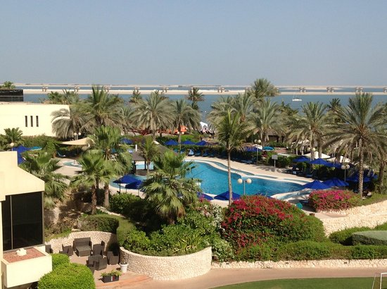 JA Jebel Ali Golf Resort: pool area