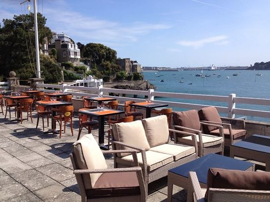 restaurant le yacht dinard restaurant avis num ro de t l phone photos tripadvisor. Black Bedroom Furniture Sets. Home Design Ideas