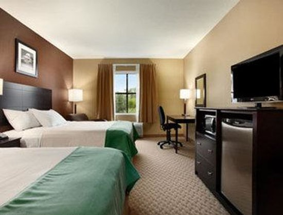 Days Inn Palm Coast: Standard Two Queen Bedroom