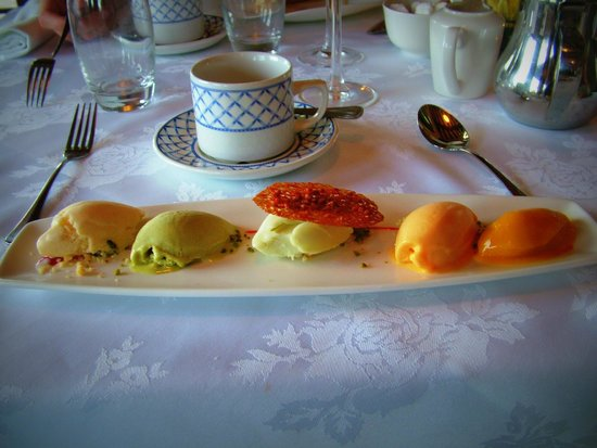 Lisnaskea, UK: Home - Made Sorbet & Ice Cream, Served on an Amaretto Flavoured Biscuit palette