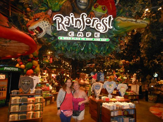 Me and the wife at rainforest cafe picture of rain for Fish restaurant mgm