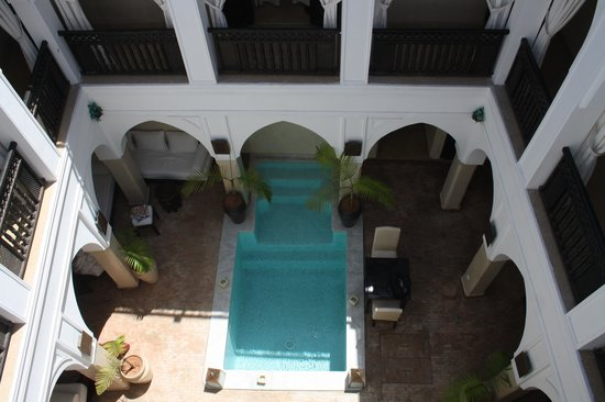 Riad Aliya: the pool
