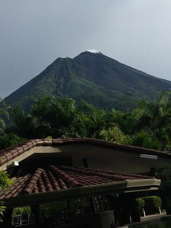 Hotel Royal Corin: clear view of the volcano from our room