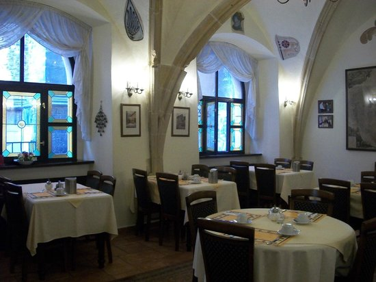 Hotel Cerny Slon (Black Elephant): Great breakfast included