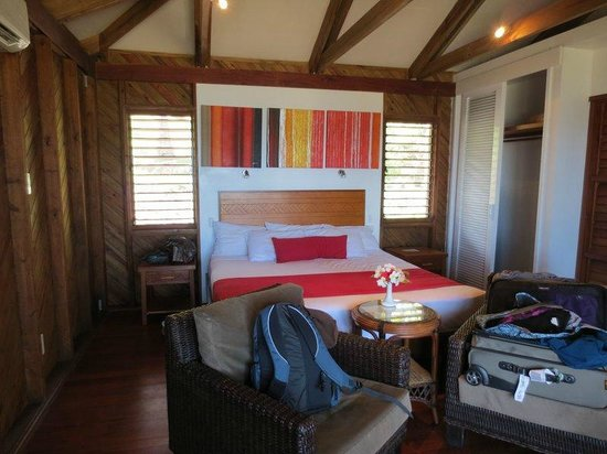 Wananavu Beach Resort: Inside beachfront bure