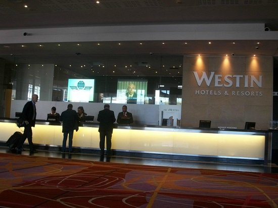 The Westin Cape Town: Front desk