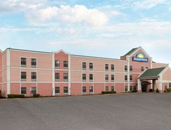 Days Inn Harvey: Welcome to Days Inn And Suites Harvey
