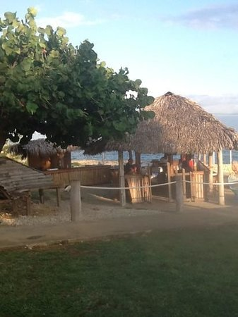 Westender Inn: ocean side bar perfect for watching the sun sets