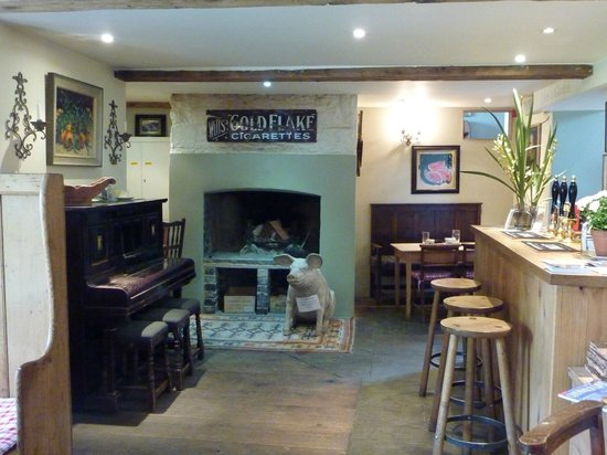Kingham, UK: Bar Lunch Area