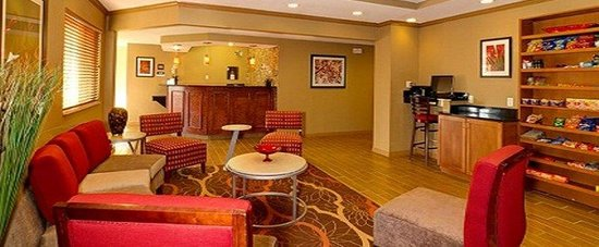 BEST WESTERN PLUS Plant City Hotel: Front Desk Lobby