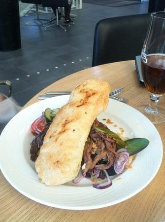 Crowne Plaza Copenhagen Towers: Roast Beef Sandwich at Still Bar