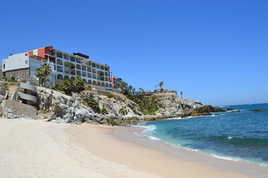 Welk Resorts Sirena Del Mar: View of the resort from the beach