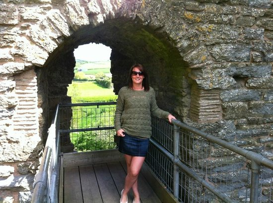 Clun, UK: On the scaffolding offering access to the inside of the ruins