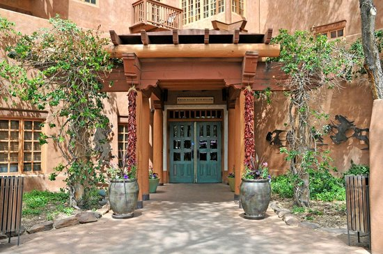 The Hacienda and Spa at Hotel Santa Fe : Hotel Santa Fe Entrance