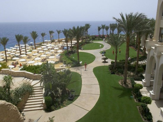 Stella Di Mare Beach Hotel & Spa: Hotel grounds