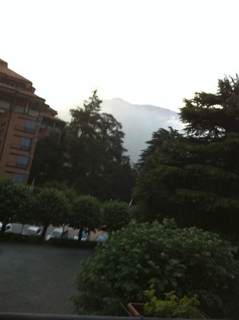 Hotel Terzo Crotto: morning view of the mountains from our room