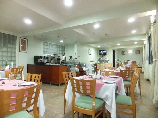 Arusha Crown Hotel: The Restaurant