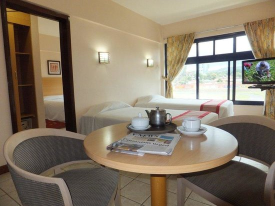 Arusha Crown Hotel: The Triple Bed Room