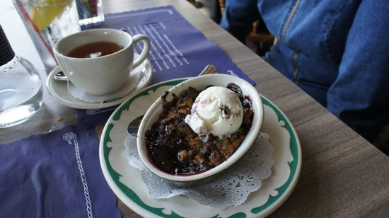 Woods Hole, MA: Berry Cobbler and tea for dessert