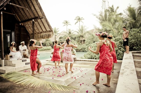 InterContinental Thalasso-Spa Bora Bora: Vow Renewal at the Blue Lagoon Chapel
