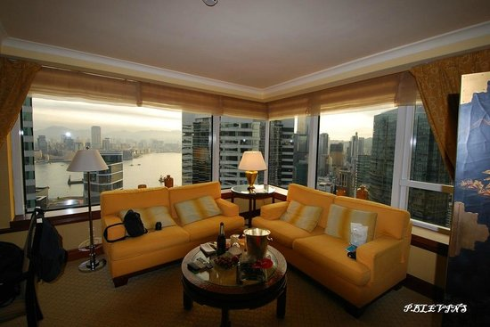 Conrad Hong Kong: 42nd floor living room view from suite