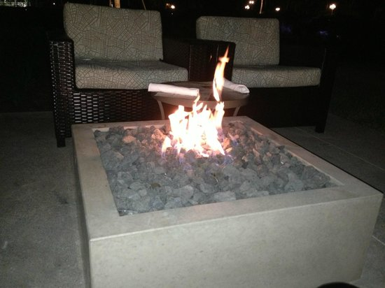 Sawgrass Marriott Golf Resort & Spa: Night by the Fire Pit