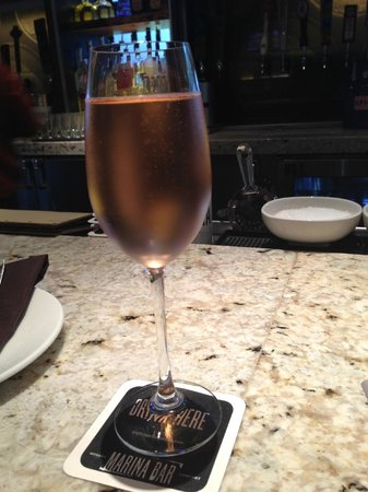 San Diego Marriott Marquis & Marina: A little French Rosé at Marina Kitchen