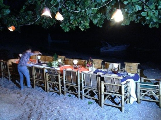 The Sanctuary Island Resort: Dinner at the beach