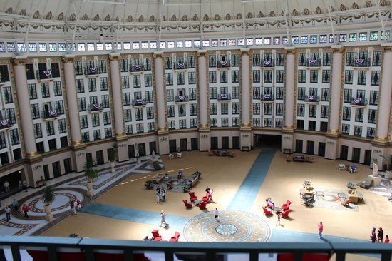 West Baden Springs, IN: A view from our room balcony