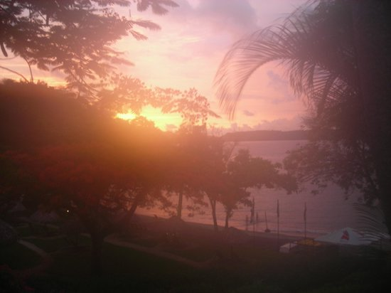 Hilton Papagayo Costa Rica Resort & Spa: Sunset view from 215/216