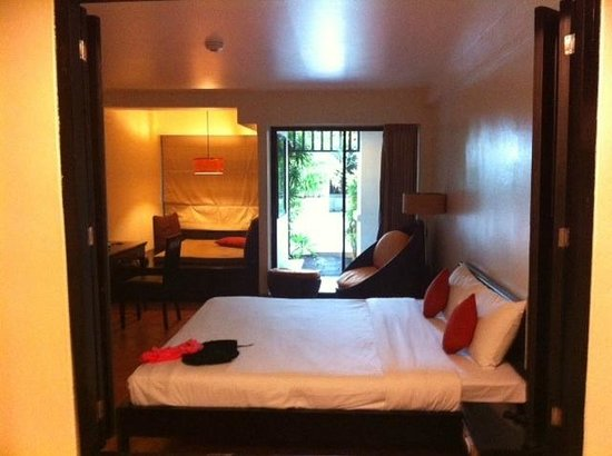 Avantika Boutique Hotel: Thats the door that leads to pool