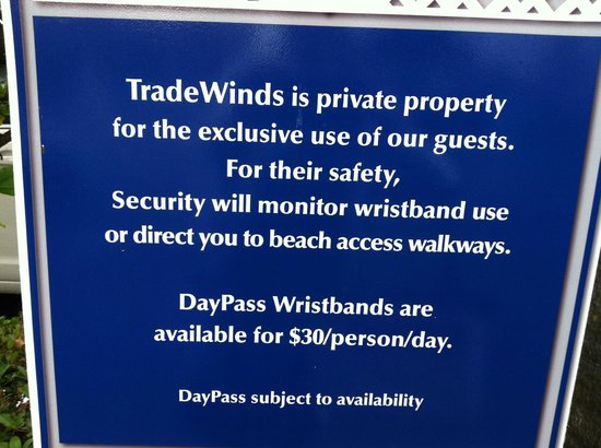 TradeWinds Island Grand Beach Resort: $30 fee sign at parking lot (vs. the $35 they asked at the reception desk)