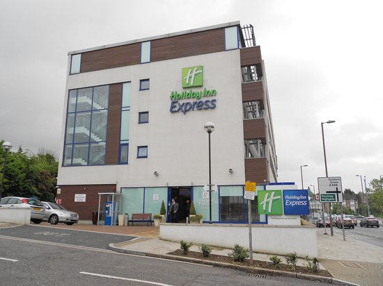Hotellet picture of holiday inn express london golders for Golders green hotel
