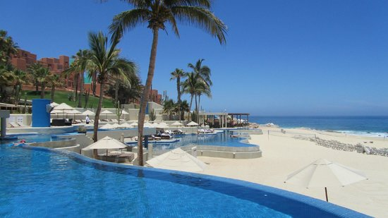 Westin Resort & Spa Los Cabos: Pool Side Overlooking the Beach