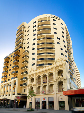 Adina Apartment Perth, Barrack Plaza Hotel