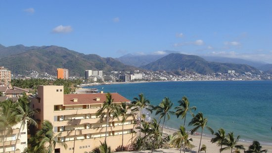 Holiday Inn Puerto Vallarta: Beach Outside of Hotel