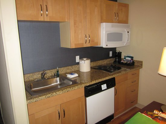 Homewood Suites Seattle Convention Center Pike Street : Kitchen