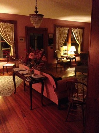 Night Swan Intracoastal Bed and Breakfast: Main House Common Area